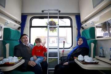 جابجایی نزدیک به دو میلیون و ۴۷۶ هزار مسافر با قطار در ناحیه آذربایجان/ افزایش ۴۷ درصدی صادرات و ۲۸ درصدی تن کیلومتر
