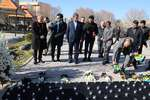 ادای احترام نمایندگان سیاسی کانادا، اوکراین، سوئد و افغانستان به جانباختگان بوئینگ ۷۳۷