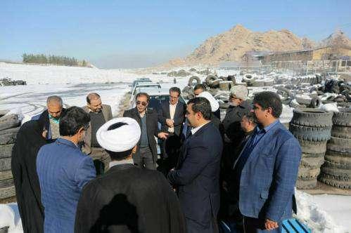 بازدید جمعی از روسا و اعضای شوراهای شهر استان یزد از کارخانه های  ...