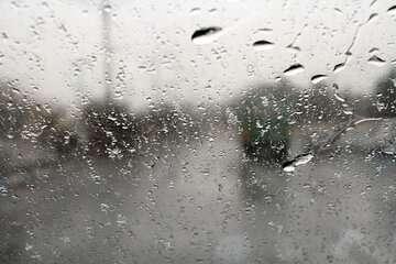 مردم از سفرهای غیر ضروری به دلیل تشدید بارندگی اجتناب کنند