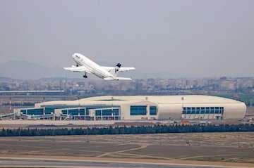 افزایش بارش ها در مسیرهای منتهی به شهر فرودگاهی امام خمینی (ره) / مسافران ۳ ساعت قبل از پرواز در ترمینال های فرودگاه حضور یابند