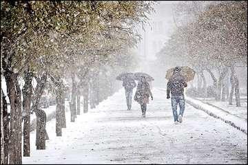 بارش در تمام کشور به جز جنوبشرق/ تداوم بارشها در تهران تا بعدازظهر/ معابر و جادهها لغزنده است؛ احتیاط کنید