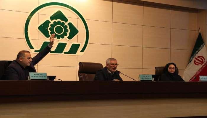 رئیس شورای اسلامی شهر شیراز: در بررسی لایحه بودجه 99 هم مشکلات مردم را در نظر میگیریم، هم شهرداری