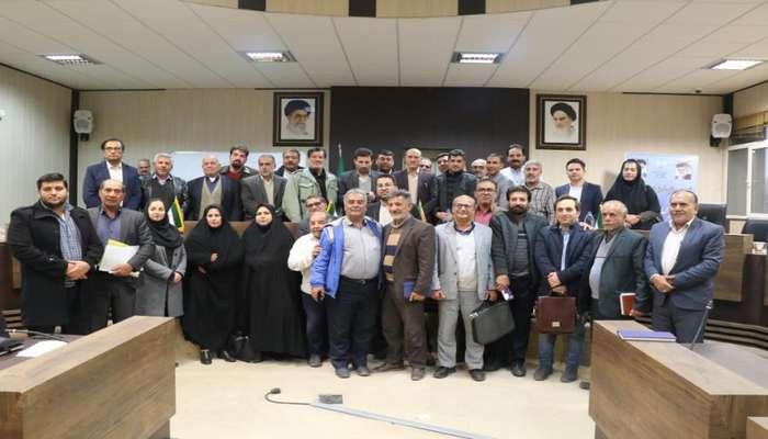 فرماندار شیراز در دیدار با یاوران شورای شهر: افزایش بیرویه جمعیت، شیراز را با چالش مواجه کرده است