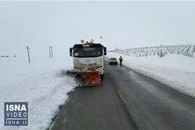 ویدئو / پاکسازی راهها بعد از برف سنگین آذربایجان غربی