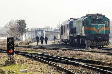 قطار مسافری بندرعباس- تهران به سیر خود ادامه داد