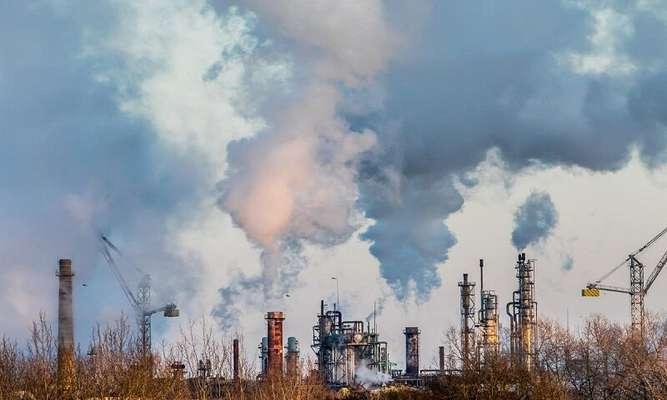 استان اصفهان نزدیک به ۷۰۰ صنعت آلاینده دارد