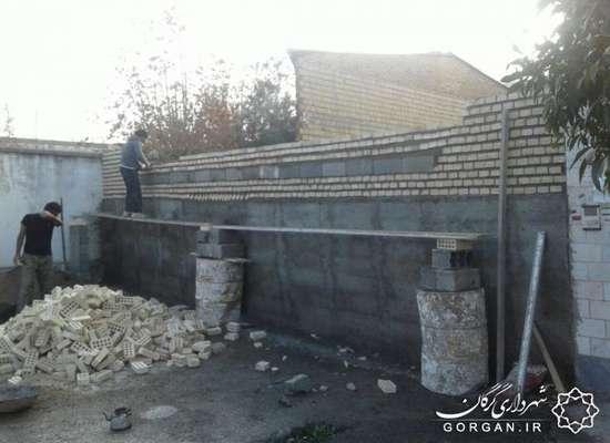 دیوارکشی زمینهای بایر توسط شهرداری گرگان