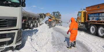 آغاز بازسازی جادههای مناطق سیلزده/ذخیره شن و نمک در راهدارخانهها
