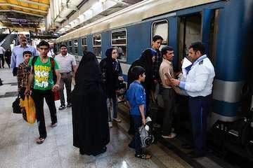 تخفیف رجا به متولدان دهه فجر انقلاب اسلامی