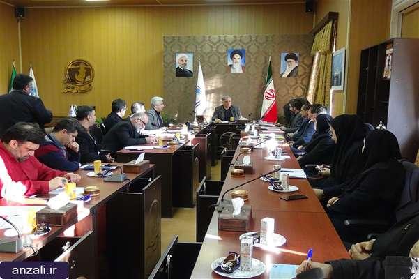جلسه شهردار انزلي با روساي دواير شهرداري برگزار شد