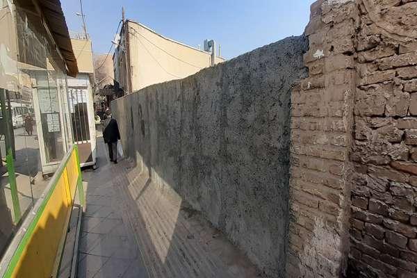 عملیات عمرانی دیوارکشی زمینهای غیرمحصور منطقه یک شهرداری قزوین 45درصد پیشرفت فیزیکی دارد