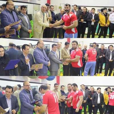 مسابقات طناب کشی محلات شهر لاهیجان توسط باشگاه شهرداری برگزار شد