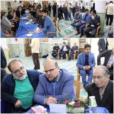 حضور شهردار ،رئیس و اعضای شورای اسلامی شهر در برگزاری میز خدمت دستگاه ها و نهادهای شهرستان در مسجد جامع  شهرستان لاهیجان
