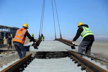 وزیر راه: یک هزار کیلومتر راهآهن تا پایان سال ۱۴۰۰ افتتاح میشود