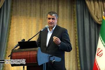 خاورمیانه بزرگ مُرد، معاماه قرن را جایگزین کردند/ هدف استکبار به زانو درآوردن ایران است/ ۷۲۴ کیلومتر بزرگراه جدید را در سال جاری احداث کردیم