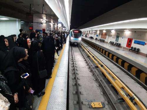 سرویس دهی رایگان خط یک و دو قطارشهری در روز ۲۲ بهمن