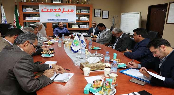 """برگزاری """"میز خدمت"""" به مناسبت ایام الله دهه مبارک فجر انقلاب اسلامی در شرکت بهره برداری از شبکه های آبیاری کرخه و شاوور"""
