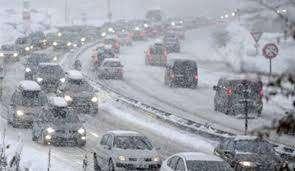 سرعت برف و کولاک در محورهای شمالی به ۳۵ کیلومتر در ساعت رسید