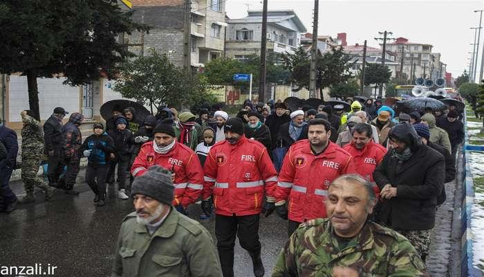 گزارش تصویری راهپیمایی 22 بهمن در بندرانزلی