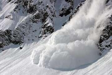 احتمال وقوع بهمن در گیلان، مازندران و اردبیل/ کولاک برف در ۱۳ استان
