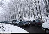 برف و باران در جادههای ۸ استان/بارش برف در چالوس و هراز