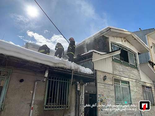تلاش 24 آتشنشان در پی آتش سوزی منزل مسکونی در خیابان لاکان رشت/آتش نشانی رشت