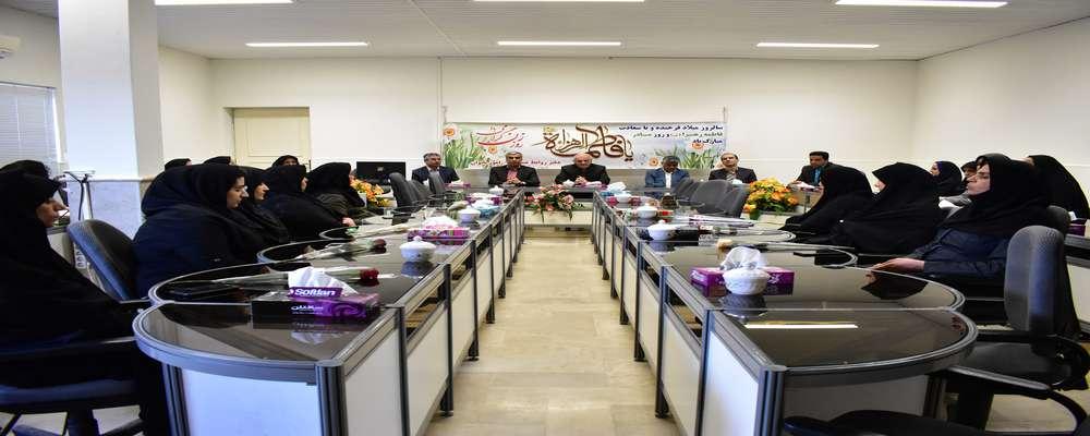 نشست مدیرعامل با بانوان کارمند شرکت برق منطقهای یزد