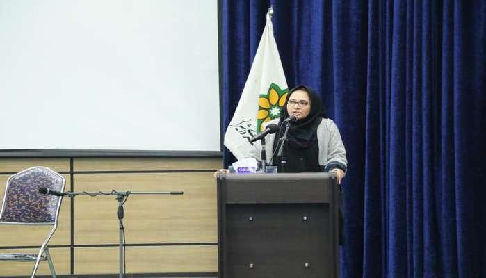 رئیس کمیسیون گردشگری و زیارتی: تبدیل وضعیت بانوان شهرداری و شورا پیگیری شود