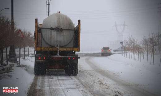 استمرار عملیات برف روبی و یخ زدائی در سطح منطقه۹