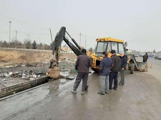 اجرای عملیات پاکسازی و لایروبی کانال آذربایجان