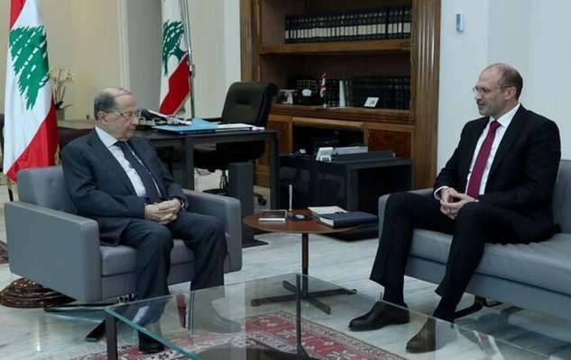 کادر و مسافران هواپیمای ایران ایر در بیروت معاینه شدند