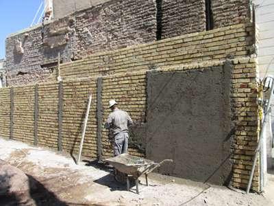 عملیات عمرانی دیوارکشی زمینهای غیرمحصور منطقه یک شهرداری قزوین 65 درصدپیشرفت فیزیکی دارد