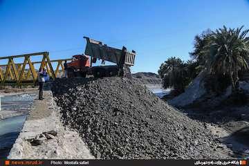 پاکسازی دهانه آبرو پلها برای عبور میزان مناسب آب/ بیشترین تمرکز برای جلوگیری از خسارت در شمال استان خوزستان بوده/ ذخیرهسازی مناسب از سوی سازمان آب