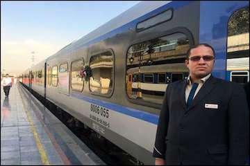 اطمینان خاطر هموطنان از ضد عفونی بودن قطارها برای سفرهای ریلی