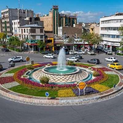 نورپردازی میدان ده دی با هدف زیبا سازی سیمای شهری