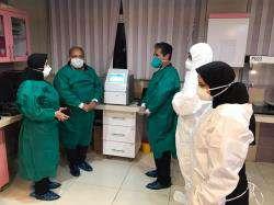 اهدای ۵۰۰ میلیون تومان از سوی شهرداری شیراز به آزمایشگاه تشخیصی کرونا ویروس