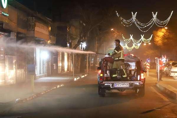 با تلاش آتش نشانان معابر شهر قزوین ضدعفونی شد