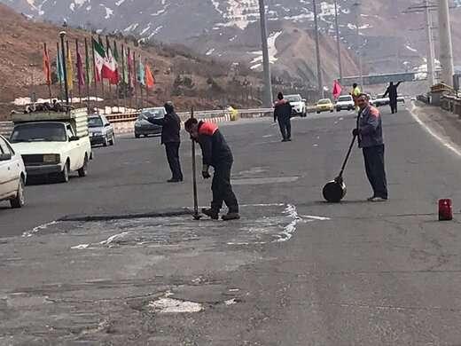 استمرار عملیات لکه گیری و ترمیم آسفالت در  معابر منطقه ۱۰ تبریز