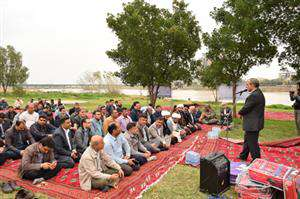 از جهادگران بسیج، فعالان نماز و ائمه جماعات تجلیل شد