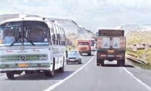 امکان تردد کامیون های ایرانی و افغانی به صورت شبانه روزی در مرز دو غارون