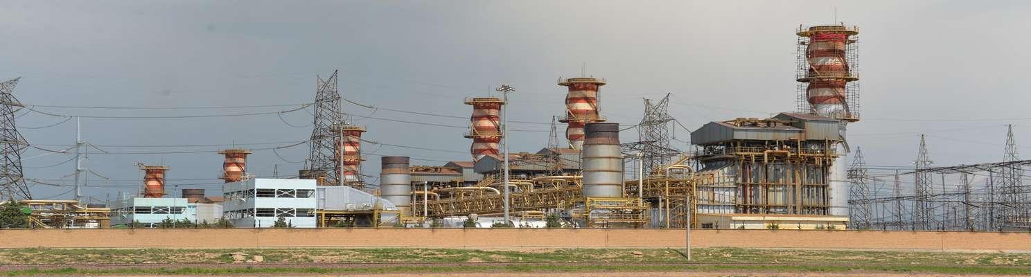 در نیروگاه شهید رجایی انجام شد؛ آماده سازی نصب پره های مرحله اول واحدهای گازی