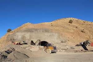 حفاري تونل كيلومتر 5 بزرگراه ايلام-مهران در مراحل پاياني است