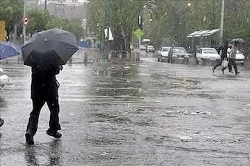 بارش باران در مناطق شمال غربی و غرب کشور/هوای تهران ابری است/ روند افزایشی دما از روز دوشنبه/  شهرکرد سردترین و اهواز گرمترین مراکز استان کشور طی ۲۴ ساعت گذشته