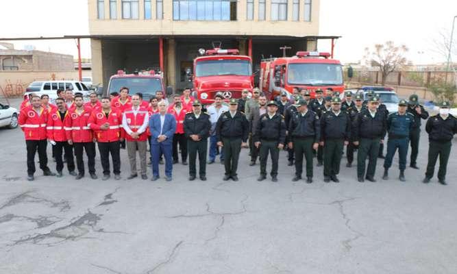 150نیروی آتش نشان ، انتظامی و اورژانس در چهارشنبه آخر سال به شهروندان خدمت رسانی می كنند .