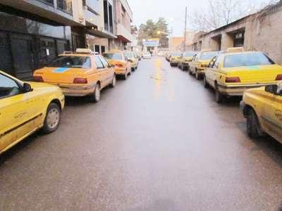 تعداد مسافران مجاز تاکسی های درون شهری از چهار نفر به سه نفر کاهش یافت