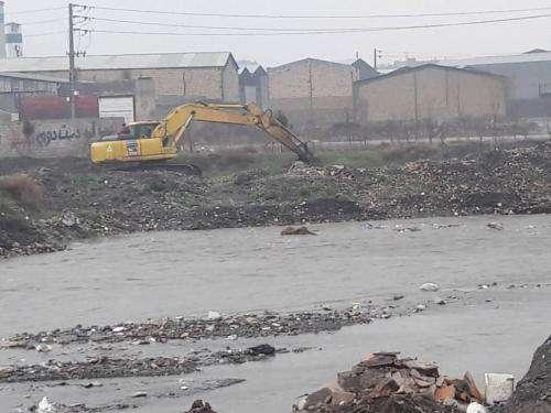 آماده باش نیروهای خدمات شهری برای جلوگیری از سیل در کشف رود