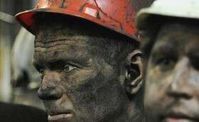 دلارهای نفتی ما را از تولید غافل کرد!