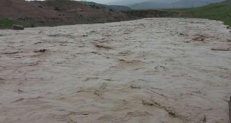 رصد لحظه به لحظه سیلاب کشف رود توسط امور منابع آب سرخس