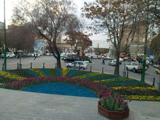 زیباسازی فضای سبز منطقه تاریخی فرهنگی تبریز با تراشه های رنگی چوب